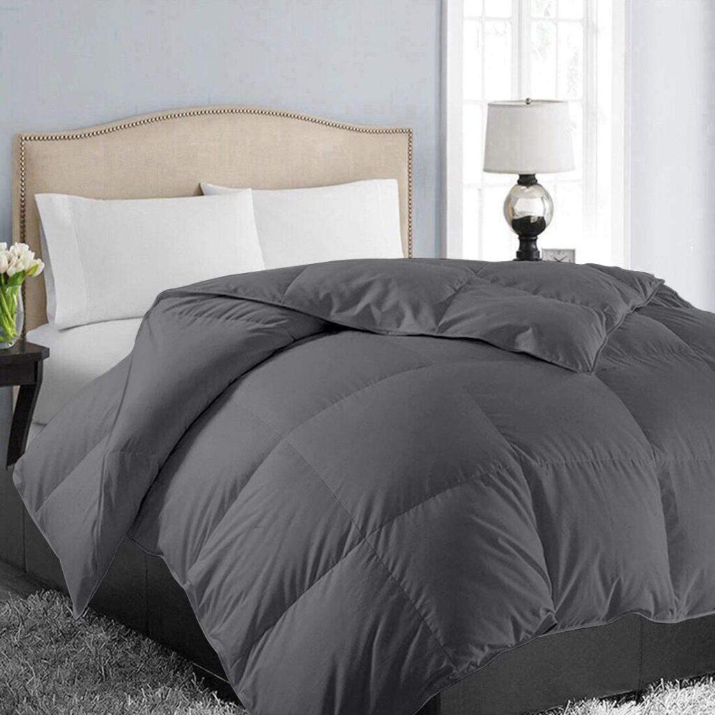 EASELAND All Season King Size Down Alternative Comforter